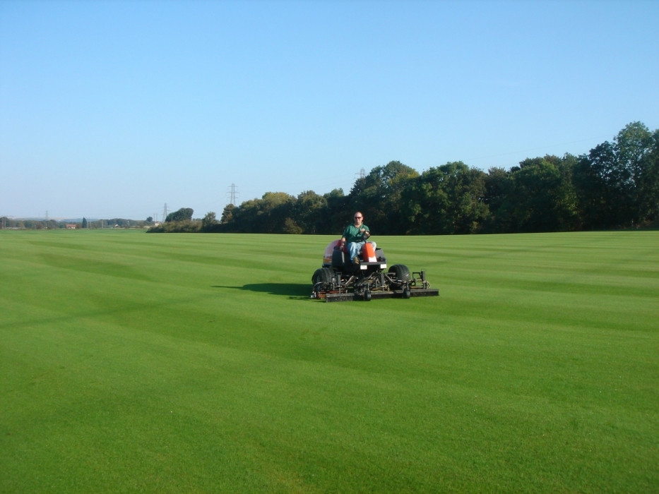 Greens Turf Specialist Mowing