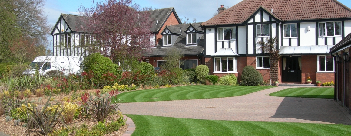 Buy our Professional Quality Turf for your Garden